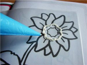 Цветок из айсинга – как приготовить айсинг-шаг 2
