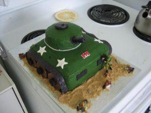 Торт на 23 февраля – оригинальный торт Танк-шаг 6