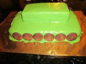 Торт на 23 февраля – оригинальный торт Танк-шаг 4