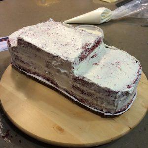 Какой торт для мальчика приготовить – сделайте торт Машинку!-шаг 2
