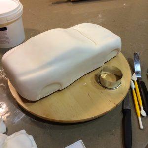 Какой торт для мальчика приготовить – сделайте торт Машинку!-шаг 3