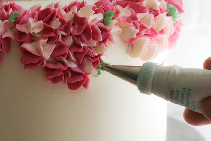 Как сделать цветы из крема своими руками