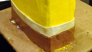 Торт Губка Боб для мальчика – мастер-класс-шаг 2
