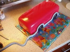 Торт Машинка – как сделать Пожарную машину-шаг 6