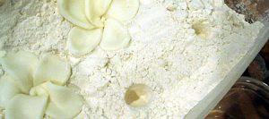 Цветок из мастики – нежная магнолия-шаг 5