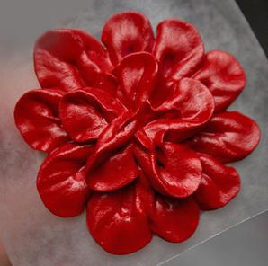 Красивые цветы из айсинга – мастер-класс-шаг 2