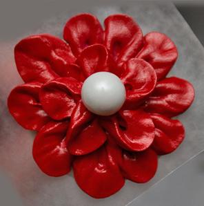 Красивые цветы из айсинга – мастер-класс-шаг 3
