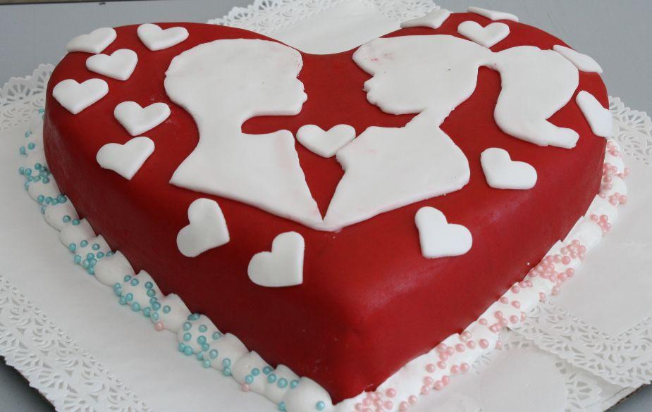Украсить торт любимому своими руками 31