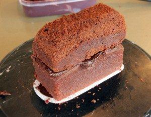 Торт машинка из мастики Автобус-шаг 3