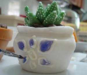 Как необычно украсить торт – кактус из мастики: мастер-класс-шаг 5